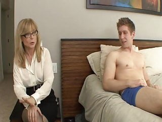 Sexual cleaning of ass - Sexually adventurous milfs