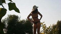 Chica en playa 87