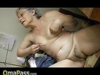 Chubby girls dildos - Horny old chubby granny masturbating wit dildo
