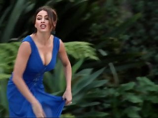 Sofia vergara sexy video - Sofia vergara - cleavage