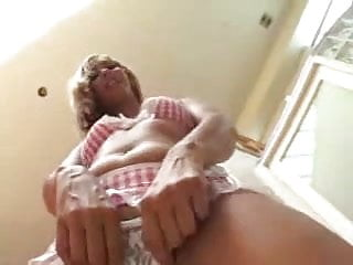 Virgin kds Gorgeous latina eats her creampie - kd