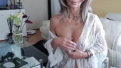 Sexy grandma in sex chat 2
