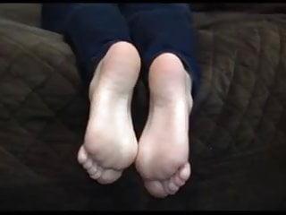Fetish modelle Cute blonde modeling her feet