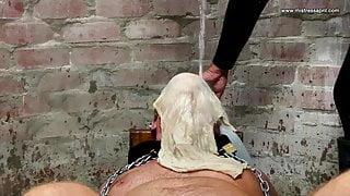 Dominatrix Mistress April - Waterboarding slave - Capture