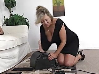 Sybian femdom Mature tries it first time