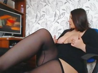 Chubby porn video Chubby brunette girl masturbating to porn
