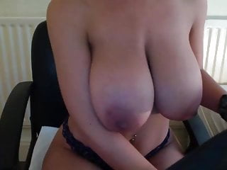 Perfect body big tits galleries Good busty , perfect body 2