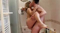 lisa and sparrow in the shower