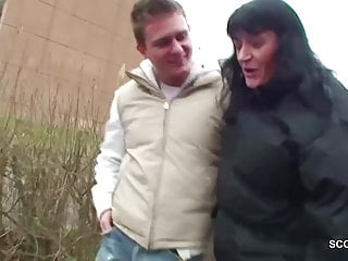 Mature women seducing young boy Young boy seduce homeless milf mother to fuck with him